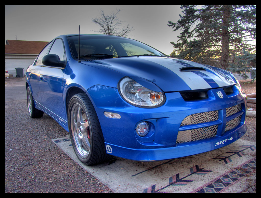 new pics of my blue srt 4 with white stripes 2gn org. Black Bedroom Furniture Sets. Home Design Ideas